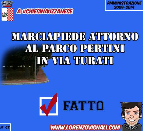 Marciapiede attorno al Parco Pertini in Via Turati.